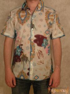 Рубашка приталенная, летняя в цветки 525