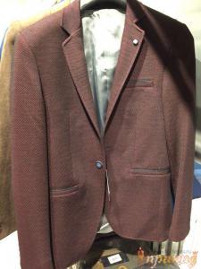 Пиджак приталенный,укороченный баклажановый ZARA на одной пуговице