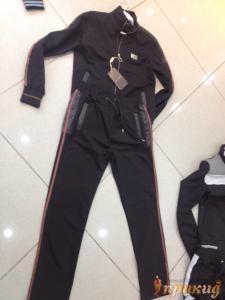 Чёрный спортивный костюм GUCCI с красными полосами