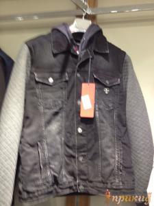 Куртка чёрная с серыми рукавами джинсовая со стретчем и капюшоном DSQUARED