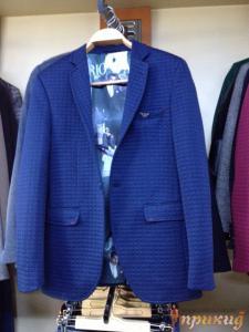 Пиджак,приталенный,укороченный на одной пуговице в светло-синюю клетку ARMANI