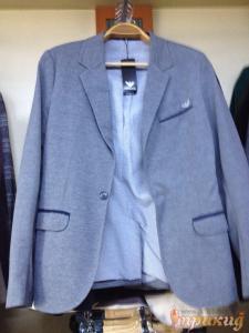 Пиджак серый с чёрными полосками над карманами ARMANI