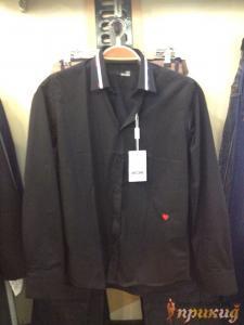 Чёрная рубашка MOSCHINO с сердечком