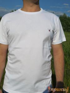 Белая  приталенная футболка GANT