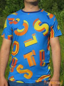 Синяя футболка с цветными буквами Lacoste