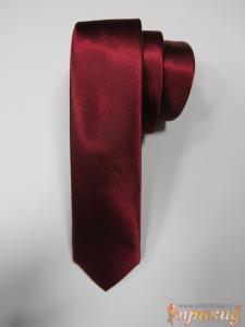 Бордовый галстук