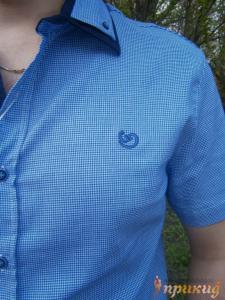 Синяя рубашка в мелкую клеточку с синей планкой  GUANTO