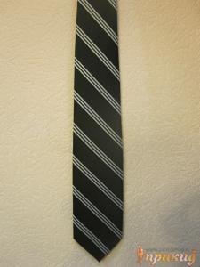 Галстук черный с тройными белыми полосками
