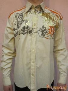 Рубашка с оранжевыми погонами