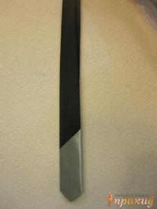Галстук полу-чёрный полу-серый
